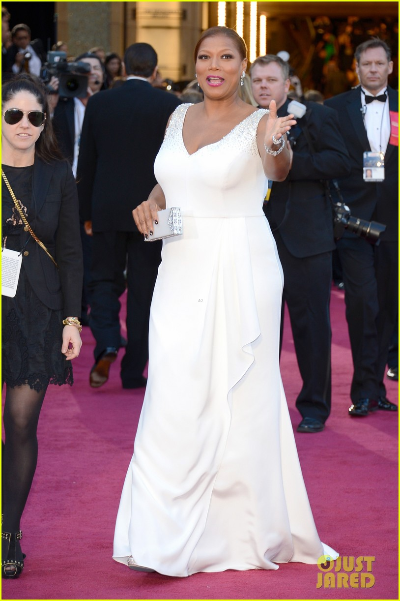 renee zellweger queen latifah oscars 2013 red carpet 15