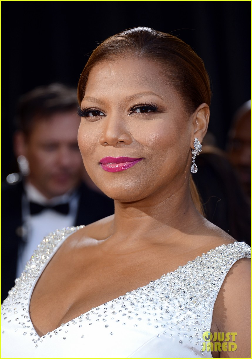 renee zellweger queen latifah oscars 2013 red carpet 20
