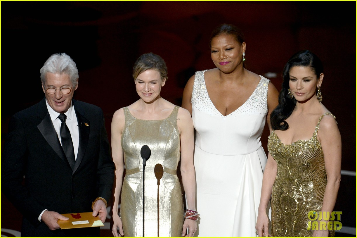 renee zellweger queen latifah oscars 2013 red carpet 23