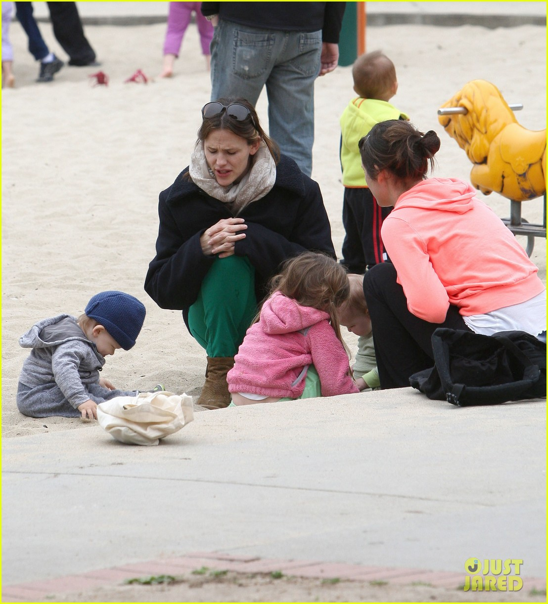 ben affleck jennifer garner family park day 04