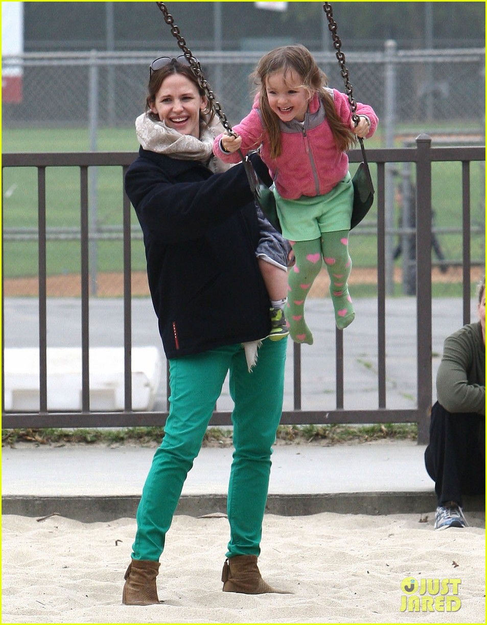 ben affleck jennifer garner family park day 25