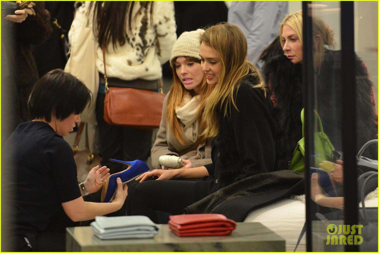 jessica alba kenzo paris fashion show 38
