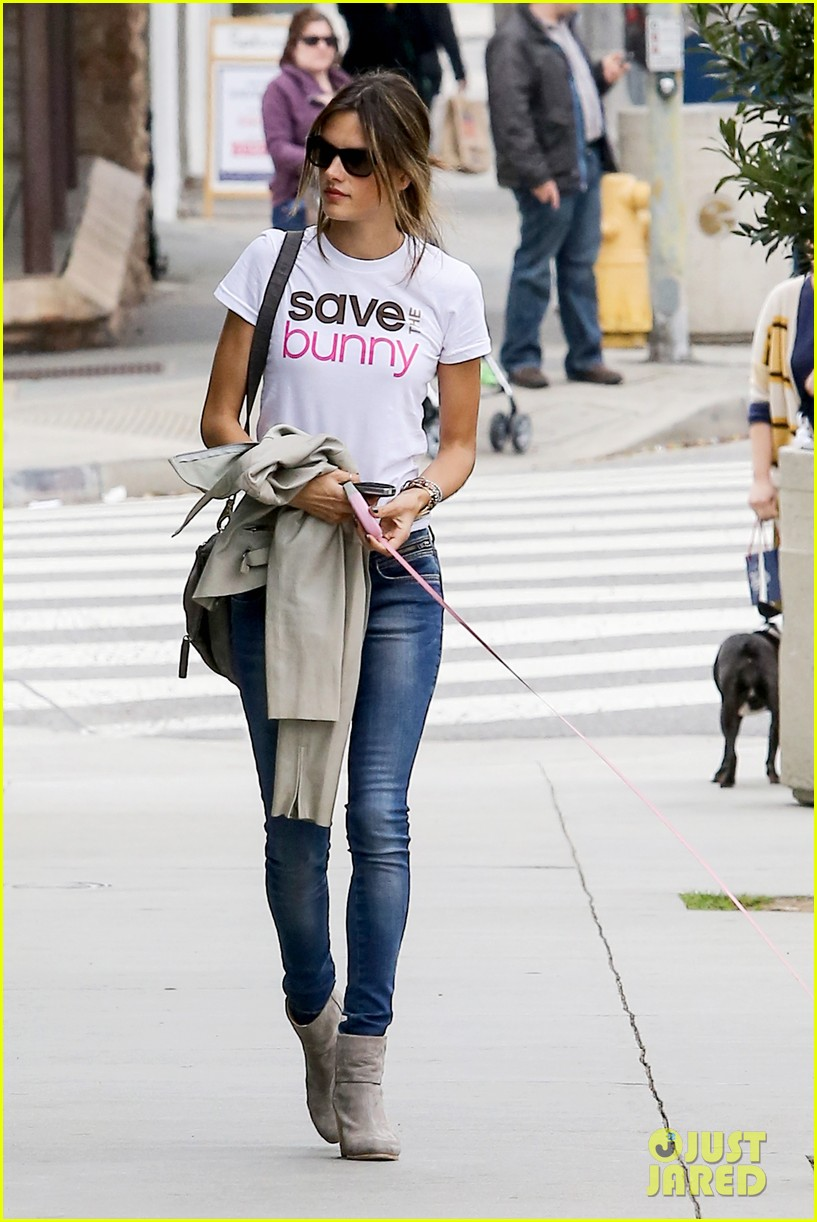 alessandra ambrosio save the bunny beauy 11