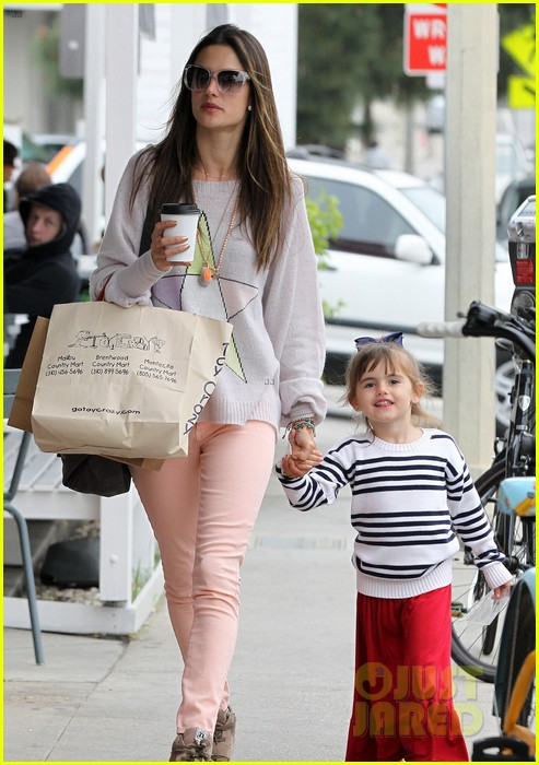 alessandra ambrosio fred segal shopper 11