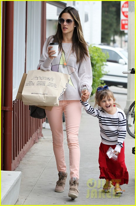 alessandra ambrosio fred segal shopper 182833211