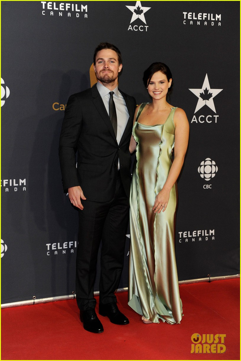 stephen amell kristin kreuk canadian screen awards 01