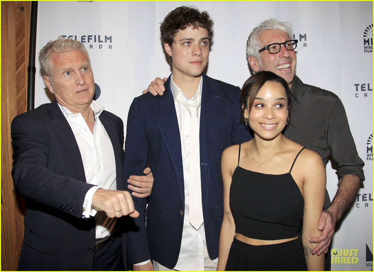 penn badgley zoe kravitz the boy who smells like fish premiere 08