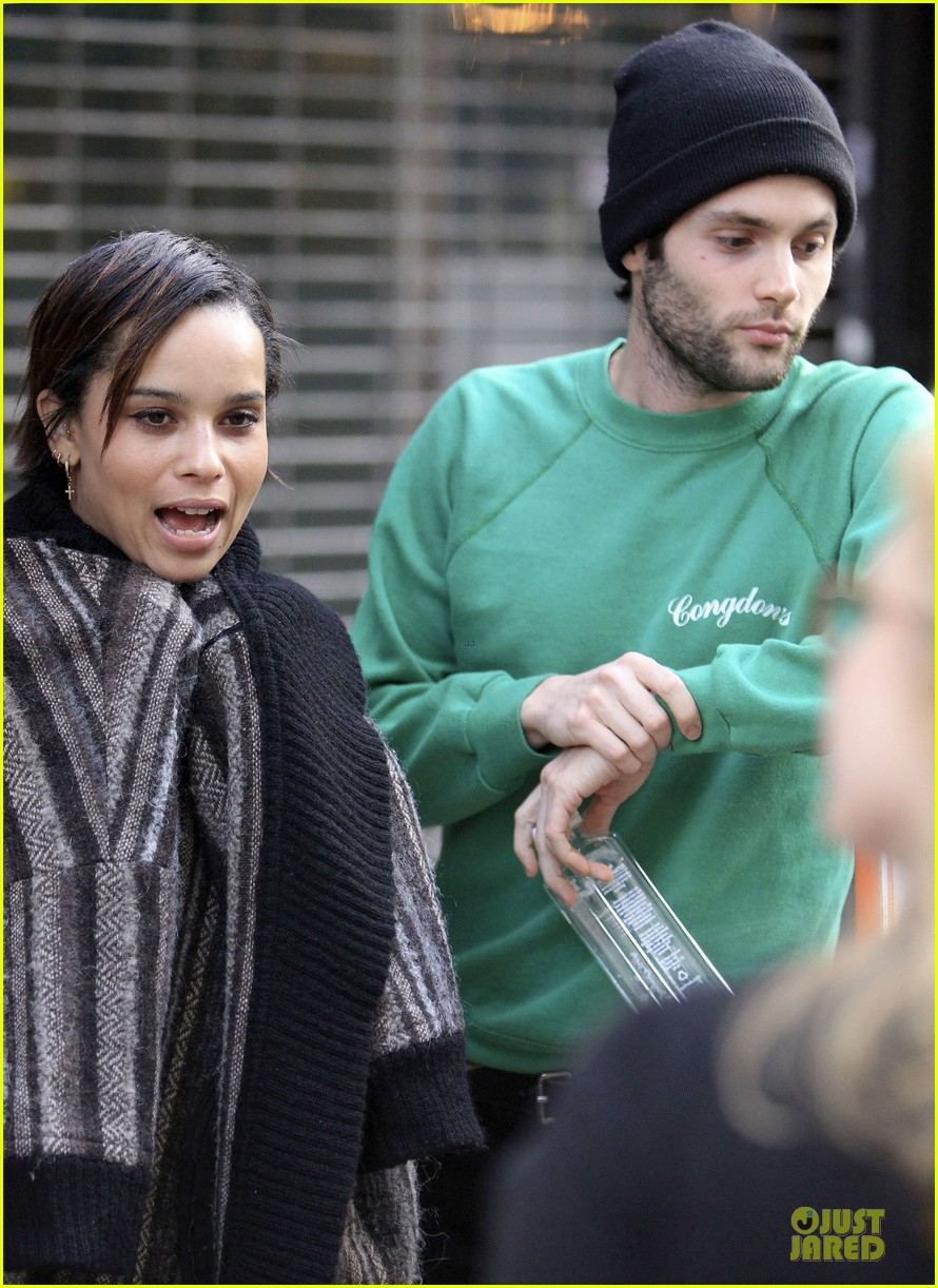 penn badgley zoe kravitz the boy who smells like fish premiere 17