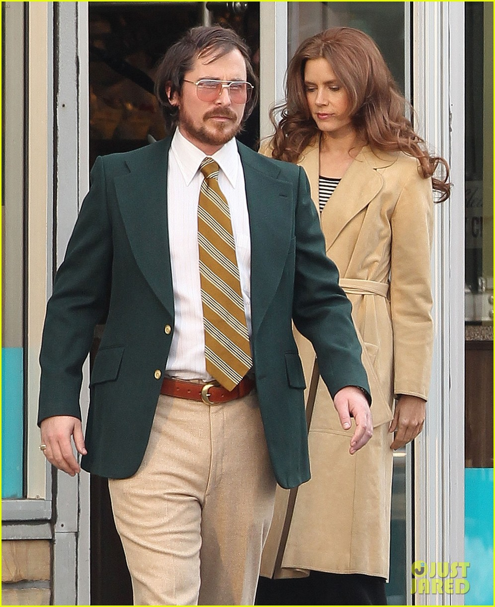 christian bale comb over cut for abscam with amy adams 10