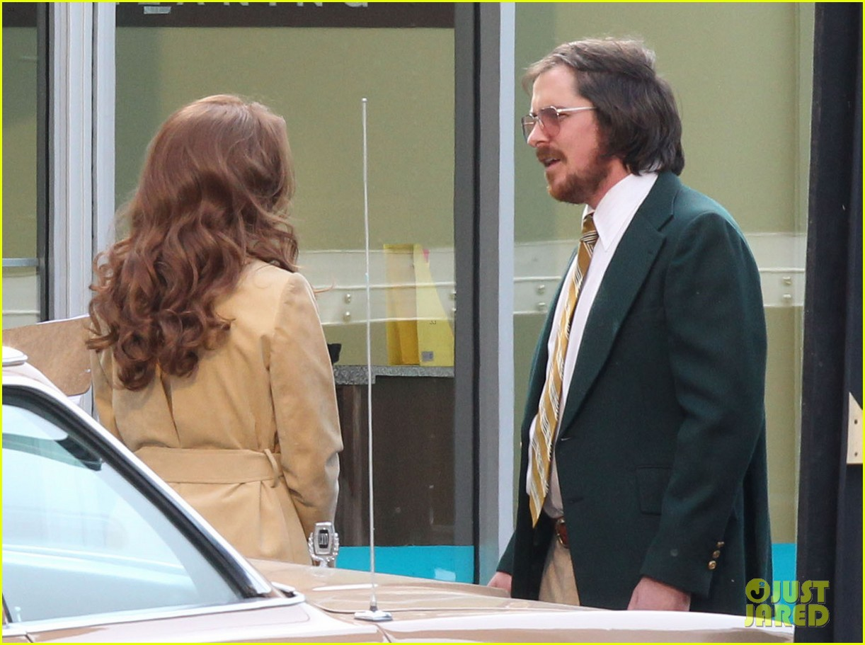 christian bale comb over cut for abscam with amy adams 17