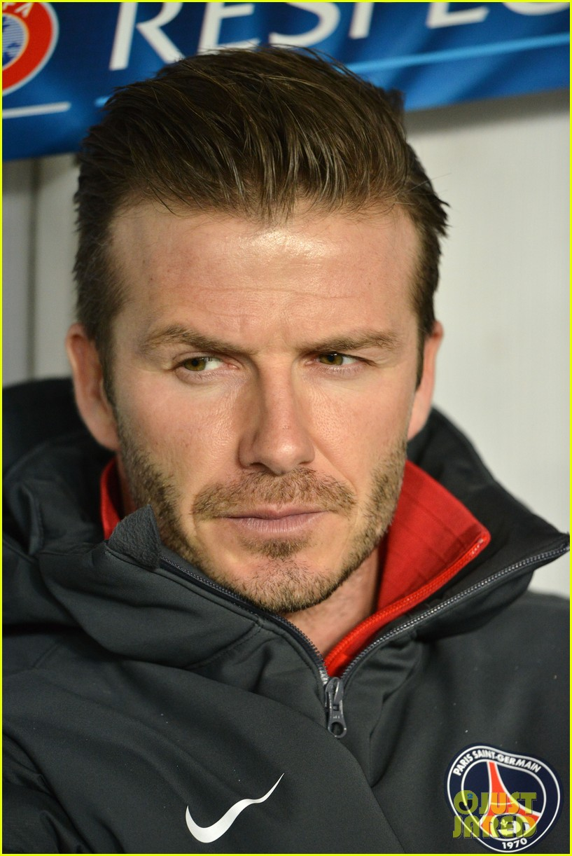 david beckham cheers on the sidelines for psg 02