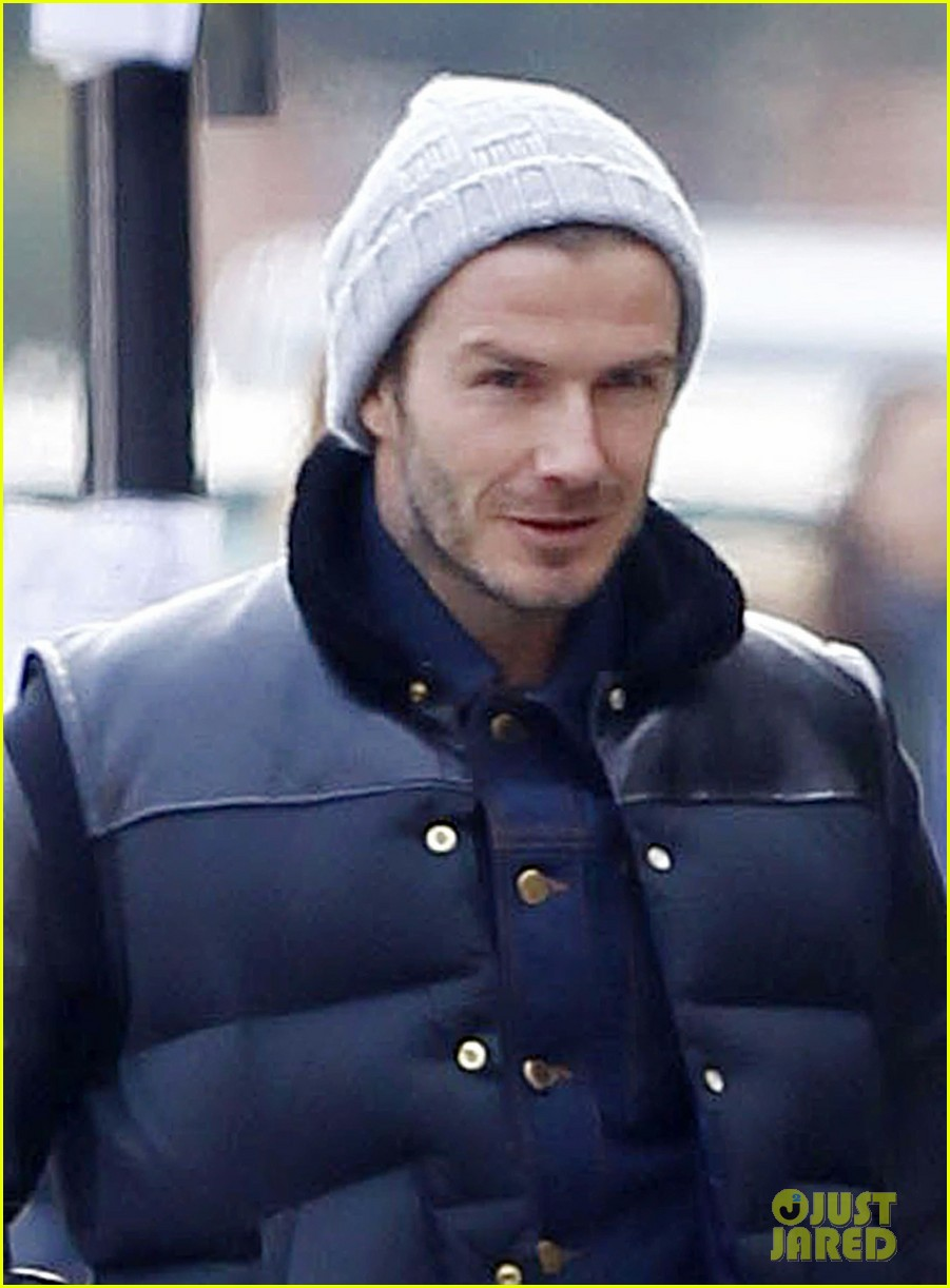 david beckham holding hands with harper 022838654