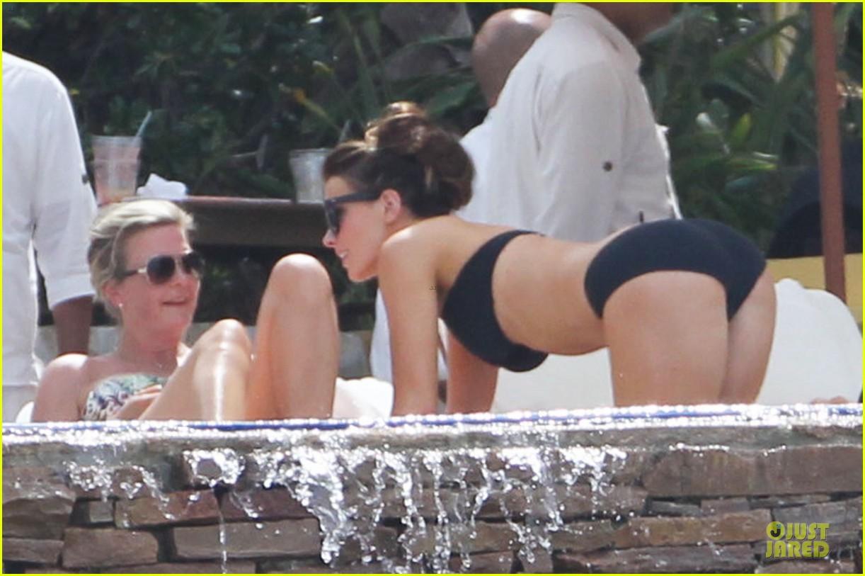 kate beckinsale black white bikini mama 18