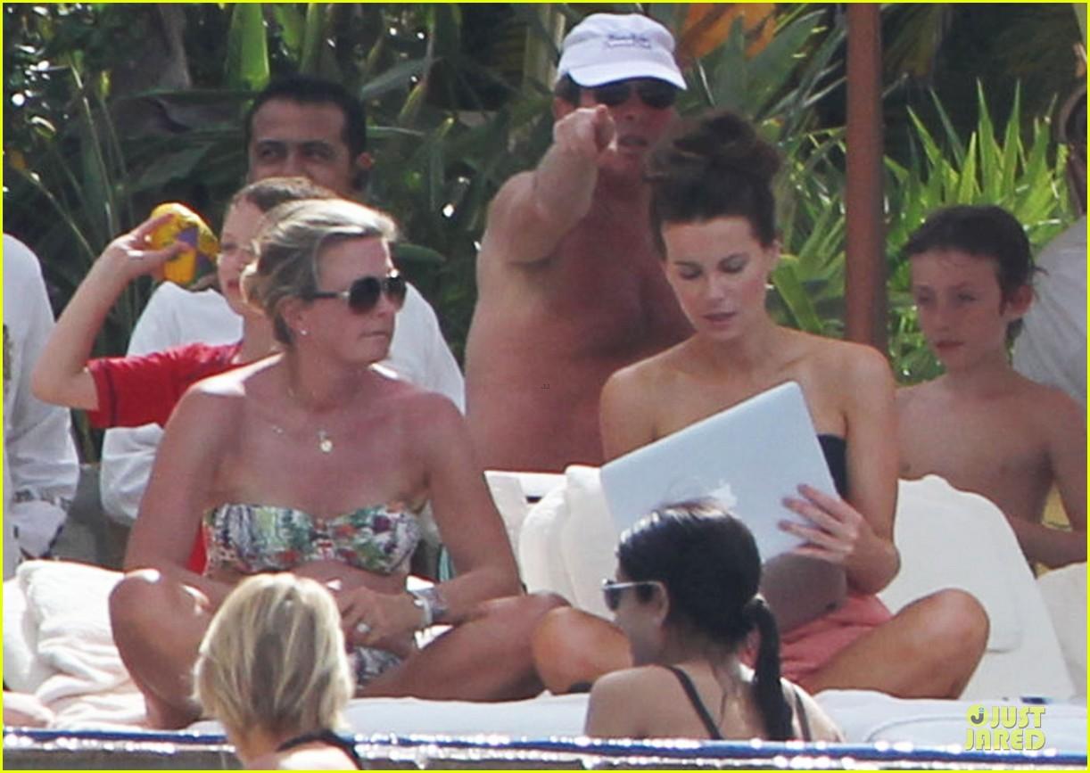 kate beckinsale black white bikini mama 292840191