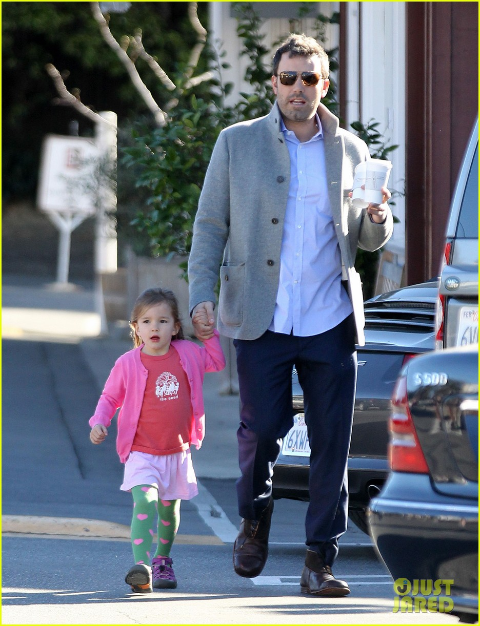 ben affleck breakfast stop with seraphina 132823073