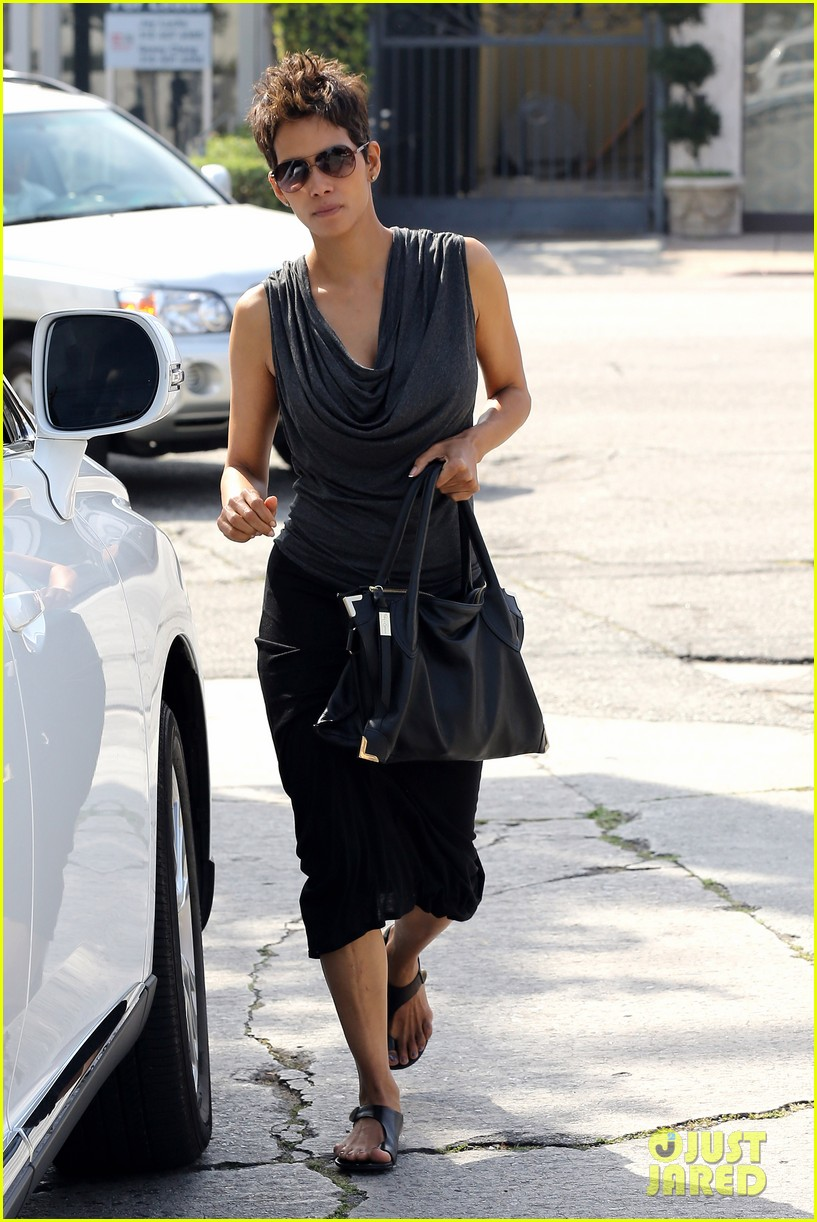 halle berry olivier martinez fig olive lunch 082837588