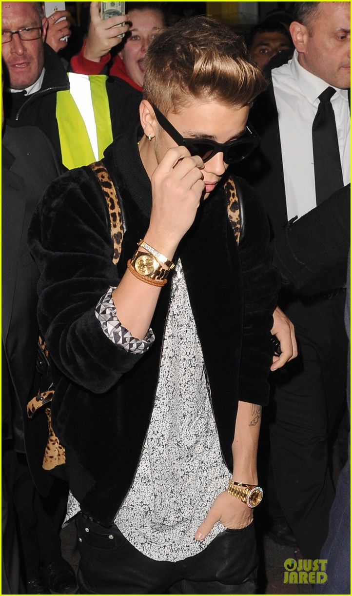 justin bieber worse birthday at cirque du soir 23