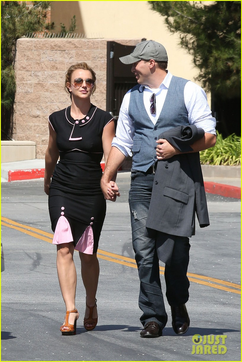 britney spears david lucado holding hands 032835828