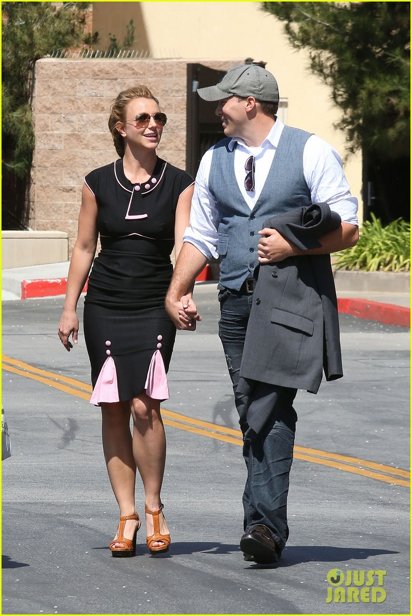 britney spears david lucado holding hands 05