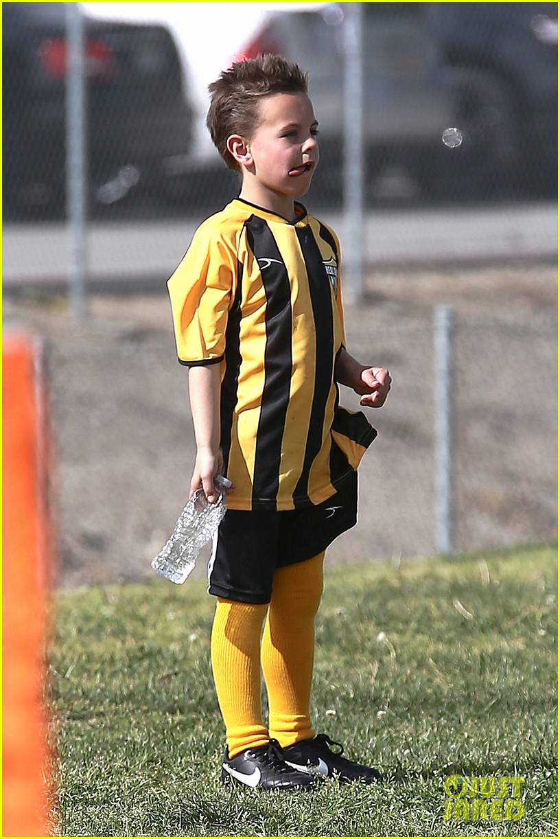 britney spears kevin federline sean preston jayden james soccer games 02