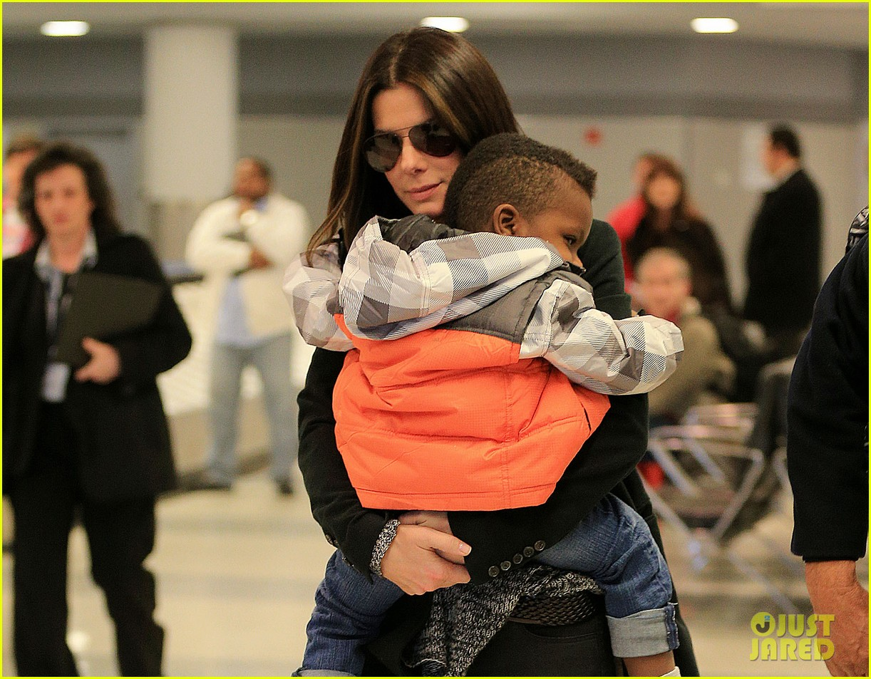 sandra bullock louis hello new york city 04
