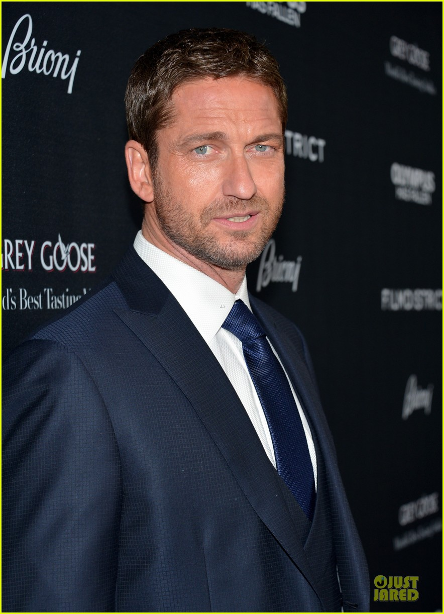 gerard butler olympic has fallen hollywood premiere 15
