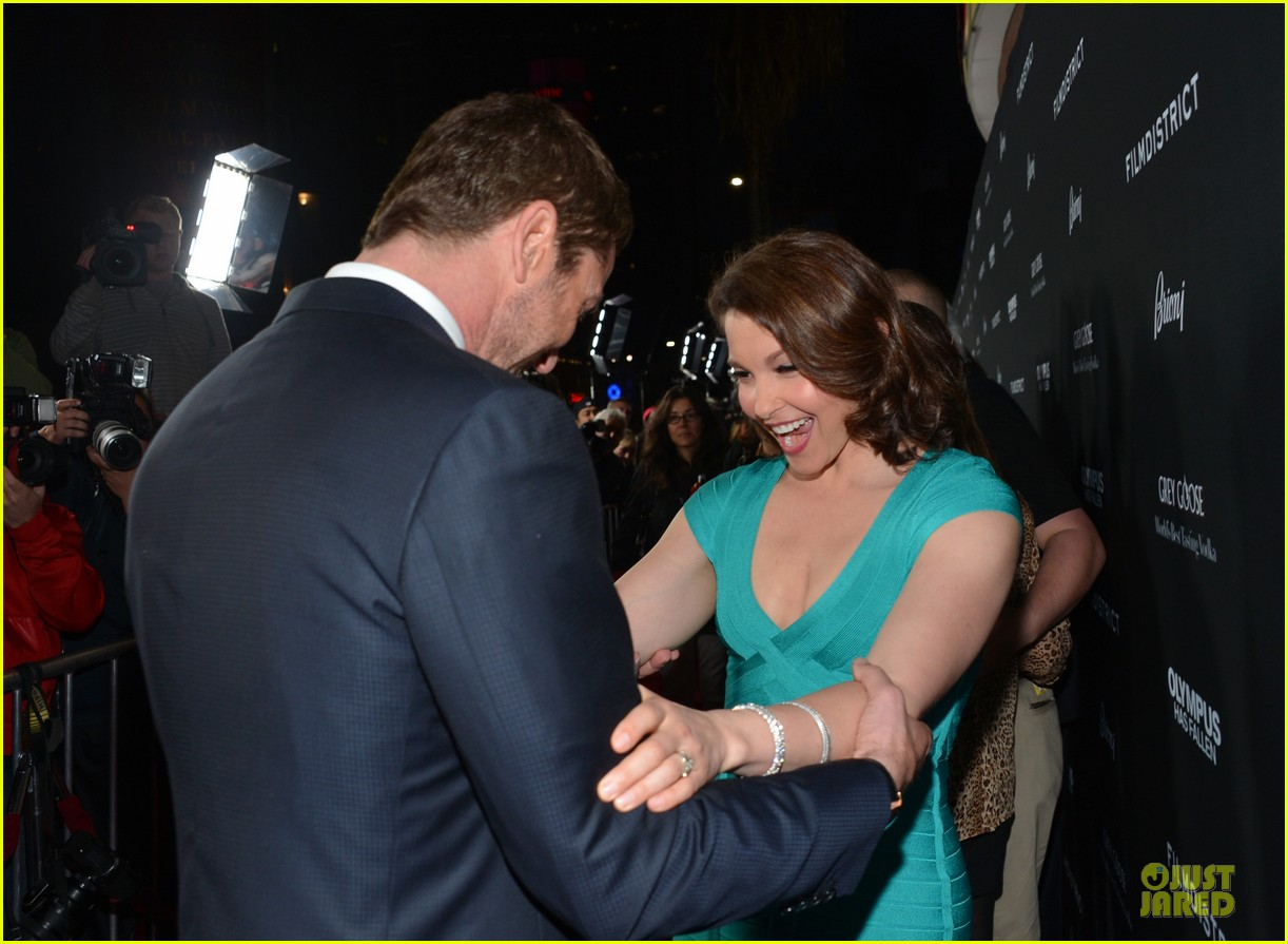 gerard butler olympic has fallen hollywood premiere 17