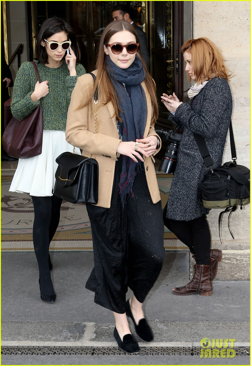 lily collins elizabeth olsen paris fashion week fun 012826384