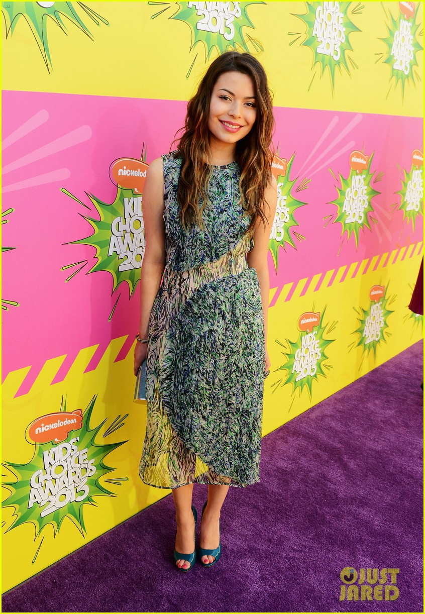 miranda cosgrove ariana grande kids choice awards 2013 182836674