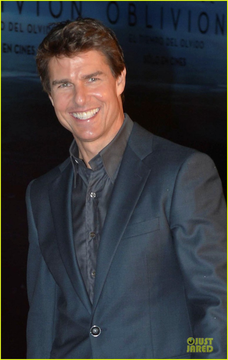 tom cruise olga kurylenko oblivion world premiere 022838469