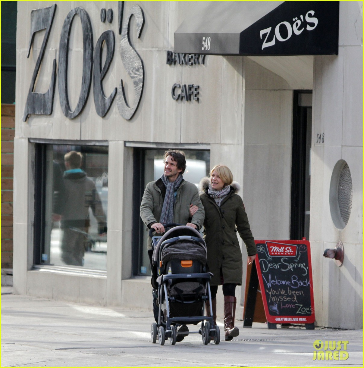 claire danes hugh dancy family day with baby cyrus 192828264