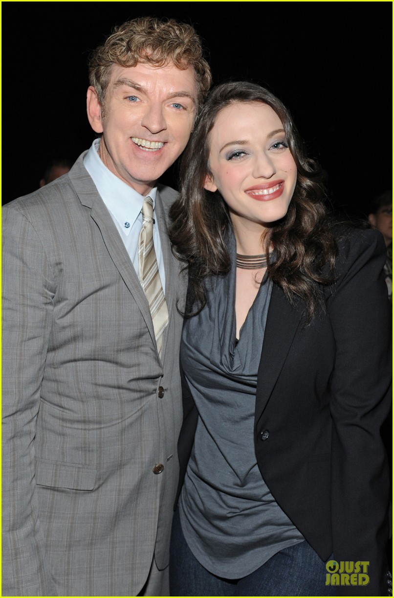 kat dennings beth behrs paleyfest with 2 broke girls cast 10