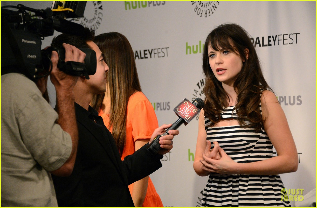 zooey deschanel paleyfest with new girl cast 25