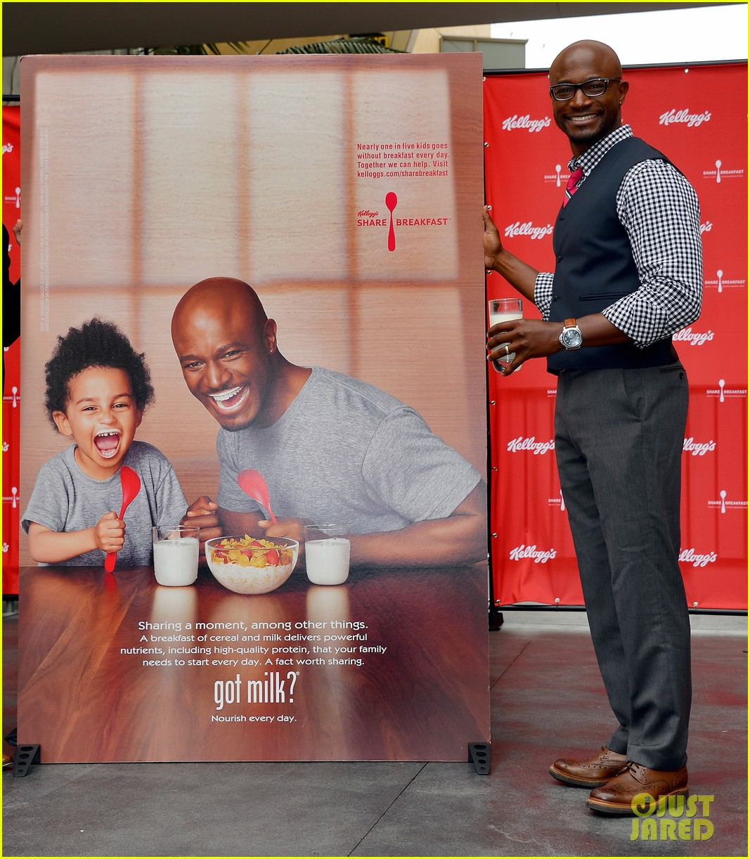 taye diggs walker lunch after got milk ad unveiling 01