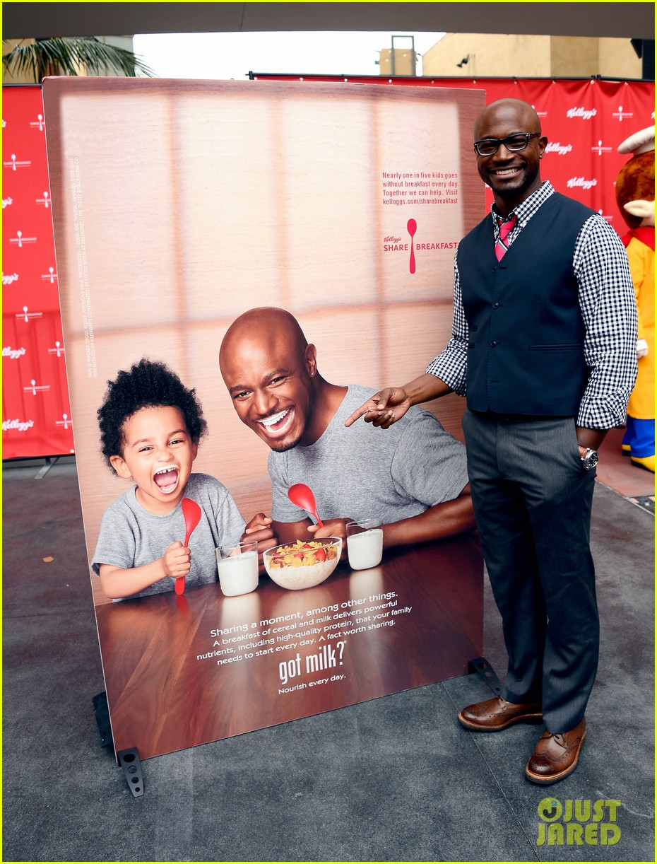 taye diggs walker lunch after got milk ad unveiling 08