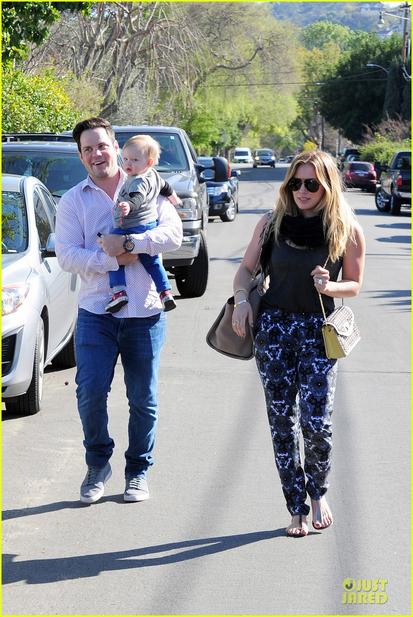hilary duff mike comrie birthday party with luca 082828008