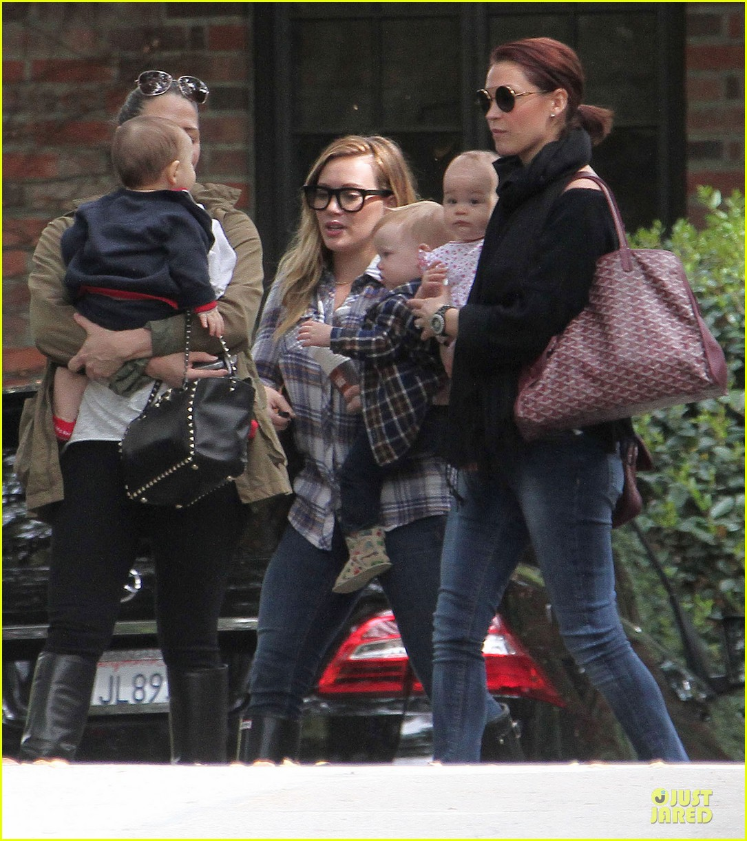 hilary duff mike comrie birthday party with luca 262828026