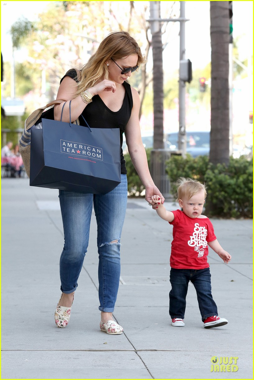 hilary duff daily grill lunch stop 052836056