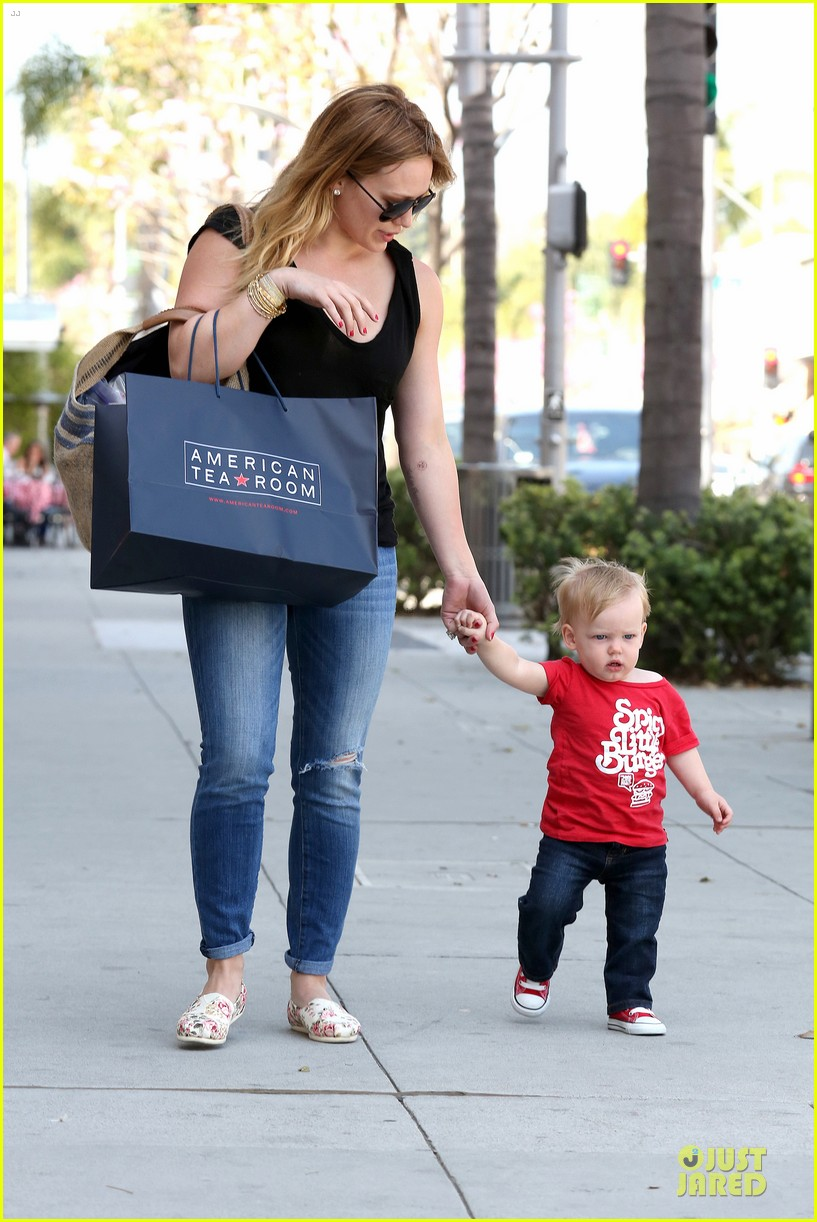 hilary duff daily grill lunch stop 09
