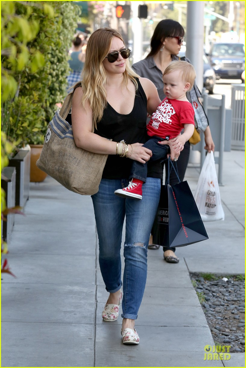 hilary duff daily grill lunch stop 14