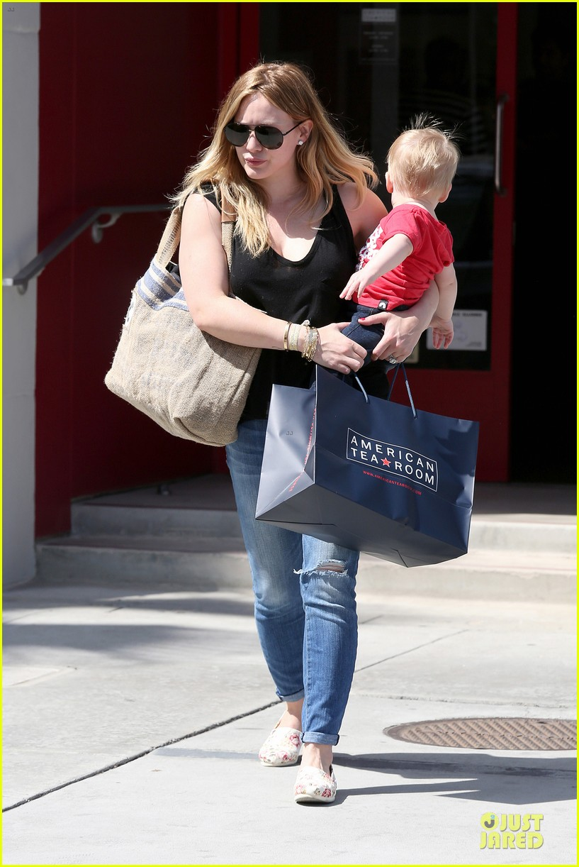 hilary duff daily grill lunch stop 15