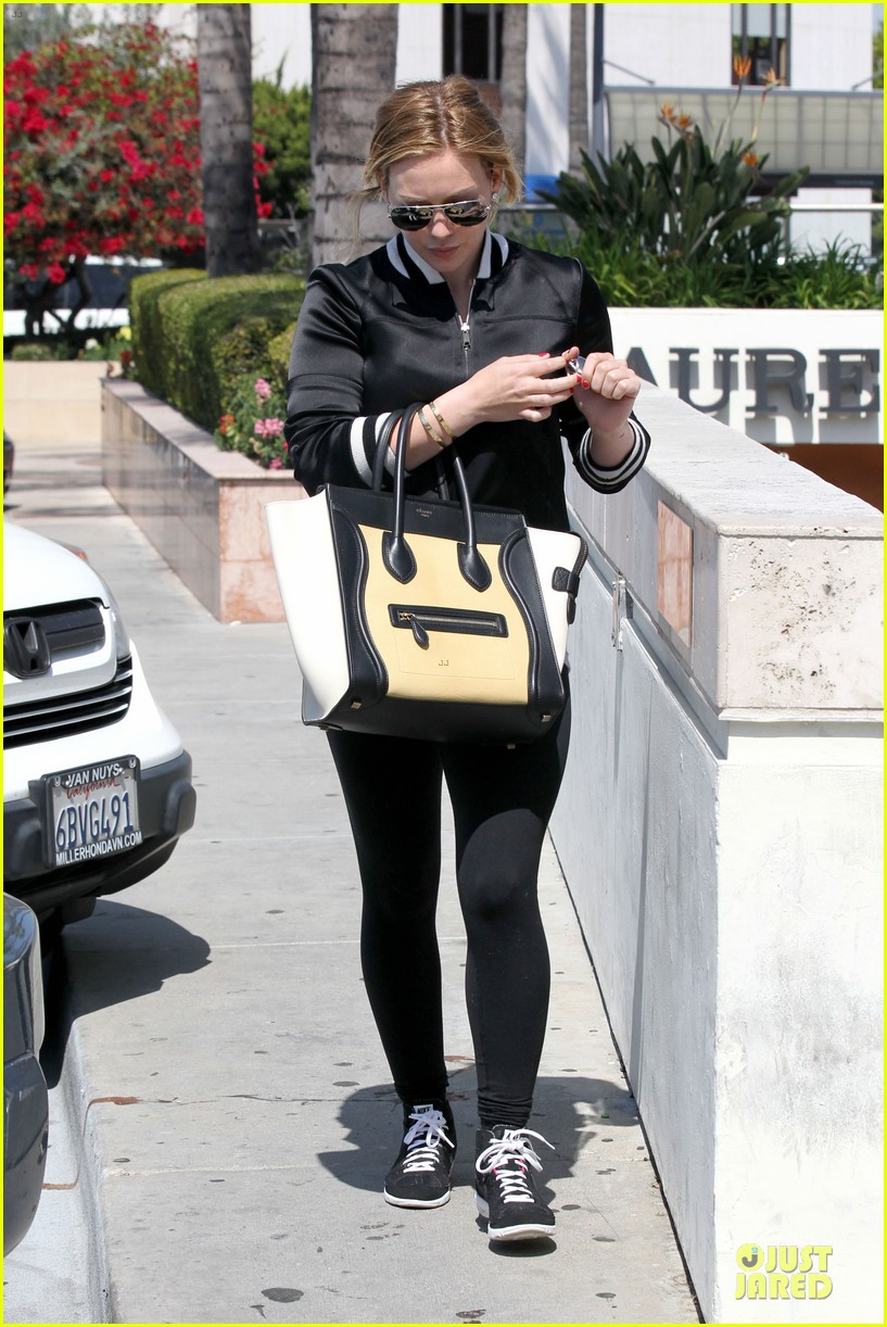hilary duff daily grill lunch stop 35