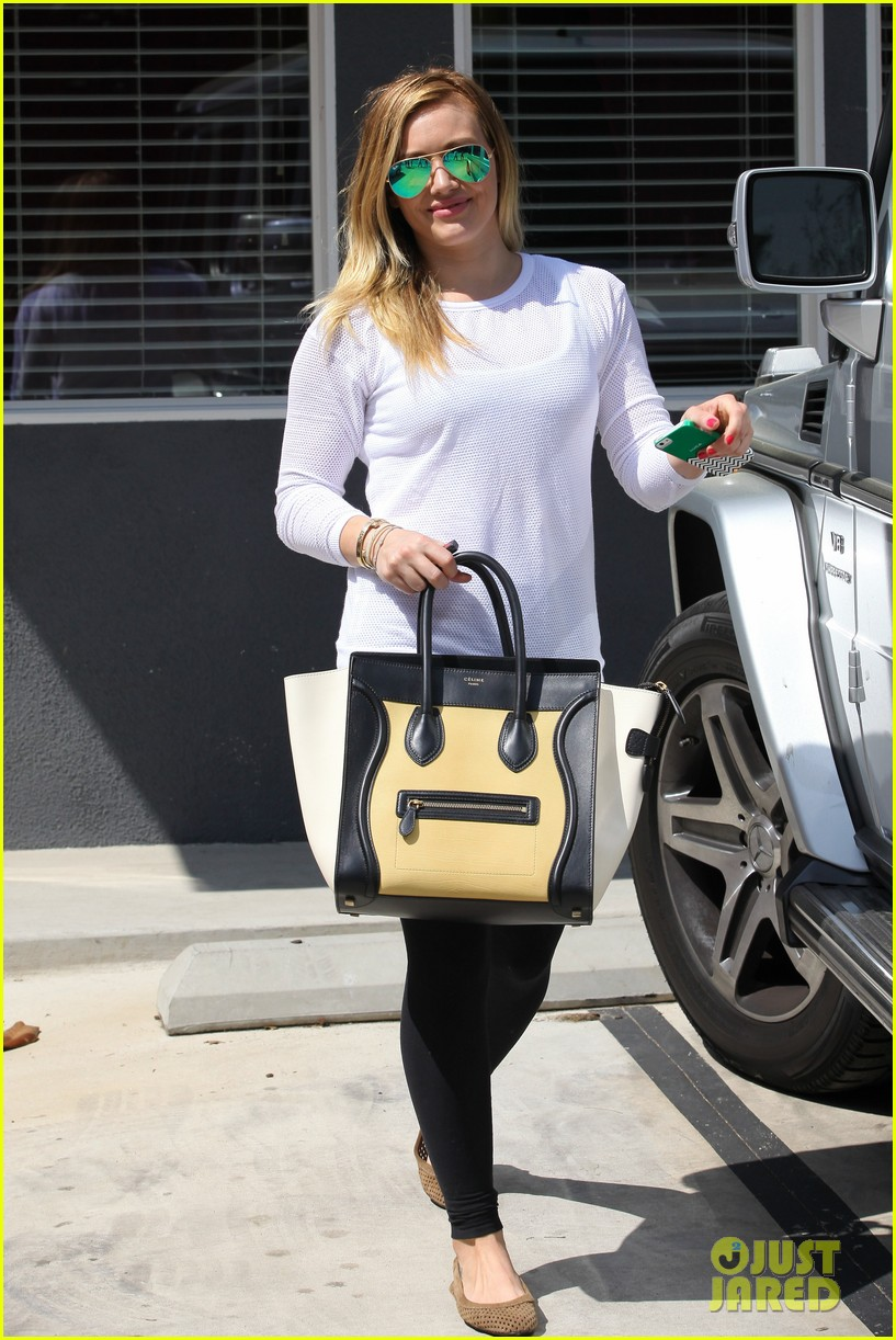 hilary duff la outing with sleepy luca 232839198