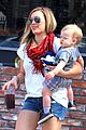 hilary duff mike comrie charlies pantry with baby luca 01