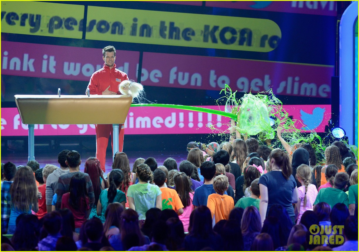 josh duhamel slime covered host at kids choice awards 2013 14