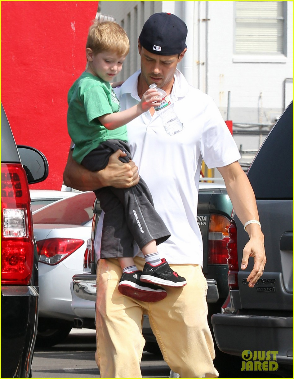 josh duhamel in n out outing 132839155