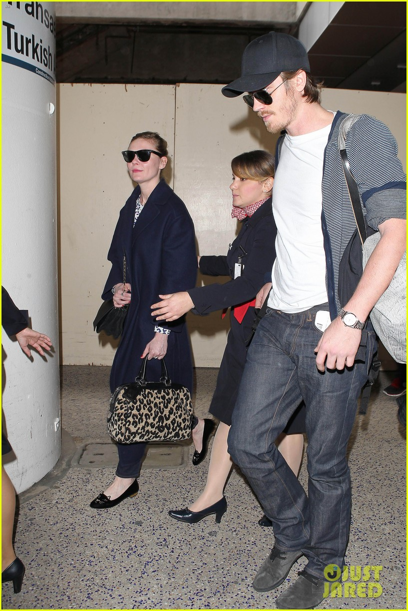 kirsten dunst garrett hedlund paris to los angeles 082826440