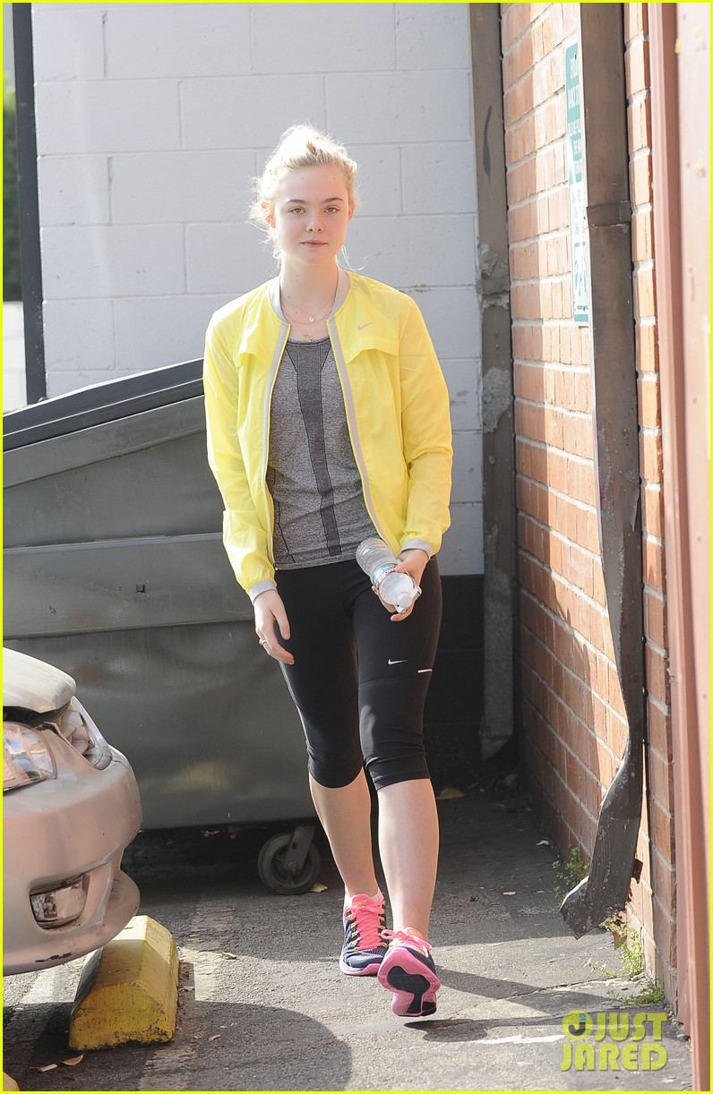 elle fanning sister dakota inspired me to go to college 012839951