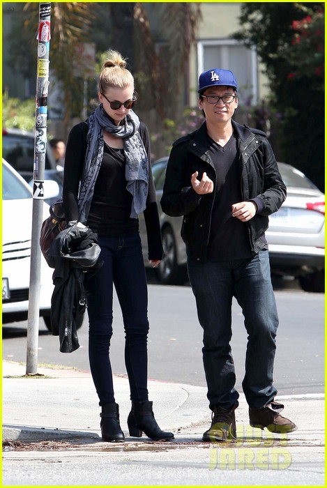 emily vancamp gelsons grocery shopper 212833577