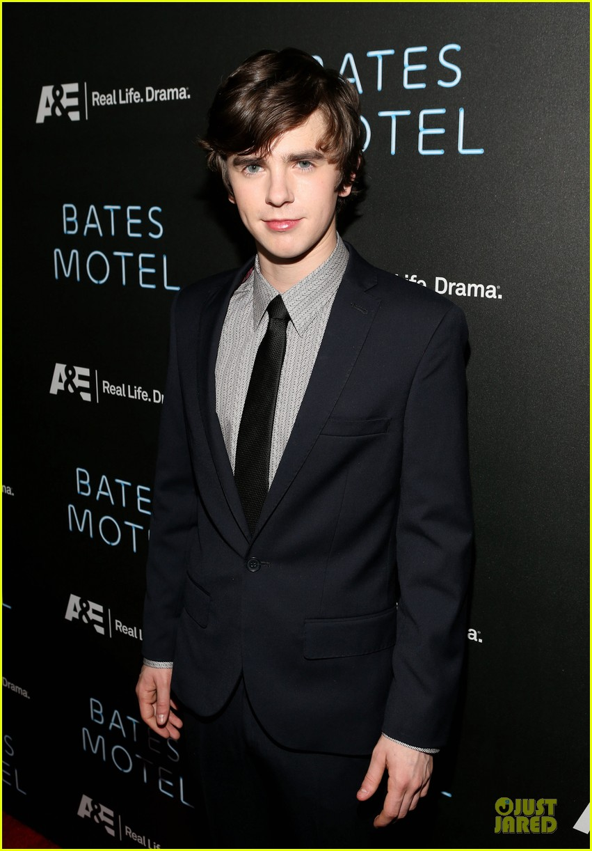 vera farmiga freddie highmore bates motel premiere party 09